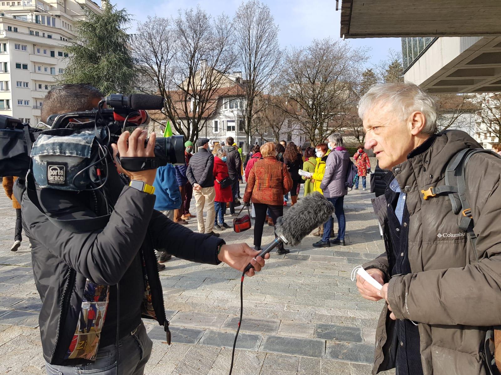 Amende requise pour un journaliste considéré comme un manifestant